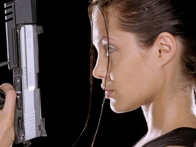 Angelina Jolie 壁紙画像