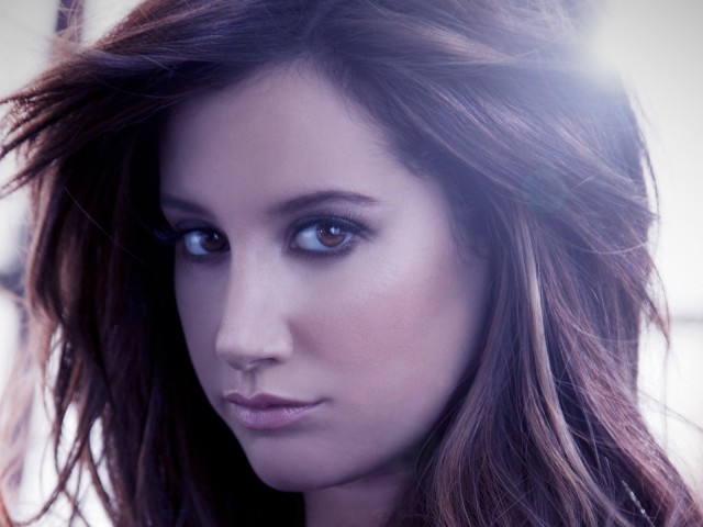 Ashley Tisdale 壁紙画像