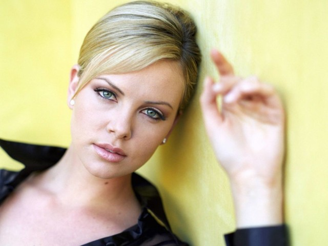 Charlize Theron 71 壁紙画像