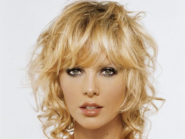 Charlize Theron 90 壁紙画像