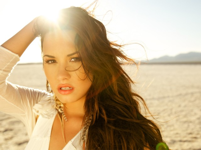 Demi Lovato 壁紙画像