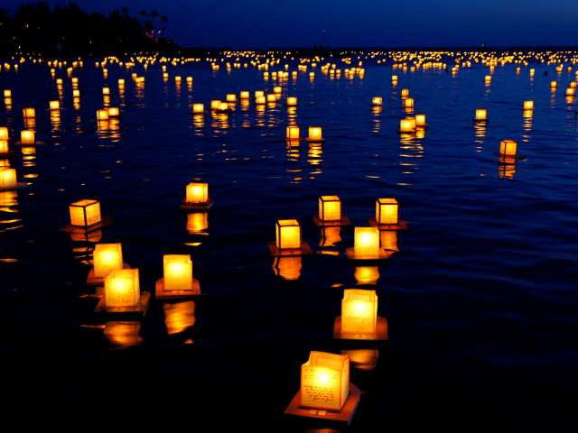 Floating Candles 壁紙画像