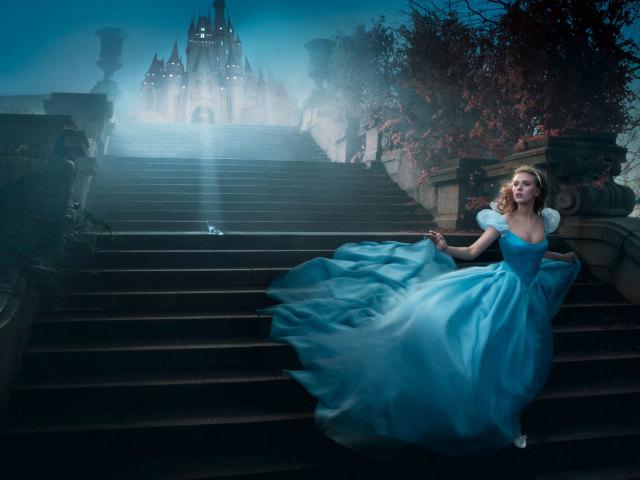 Scarlett As Cinderella 壁紙画像