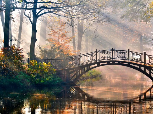 Tranquil Bridge 壁紙画像