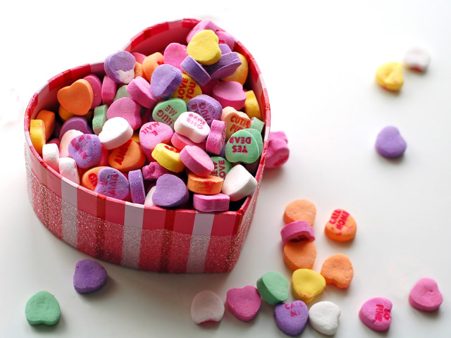 A Box Of Heart Sweets 壁紙画像