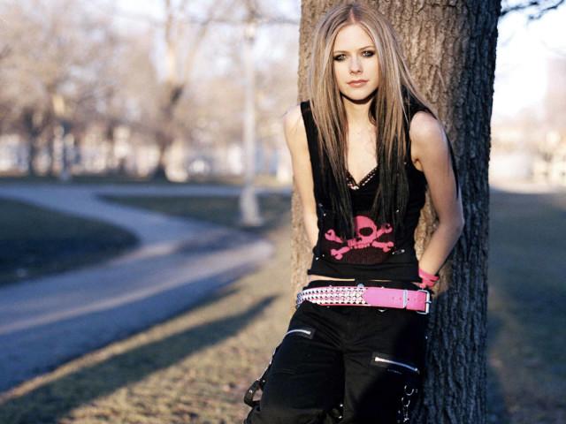 Celebrity Avril Lavigne 壁紙画像