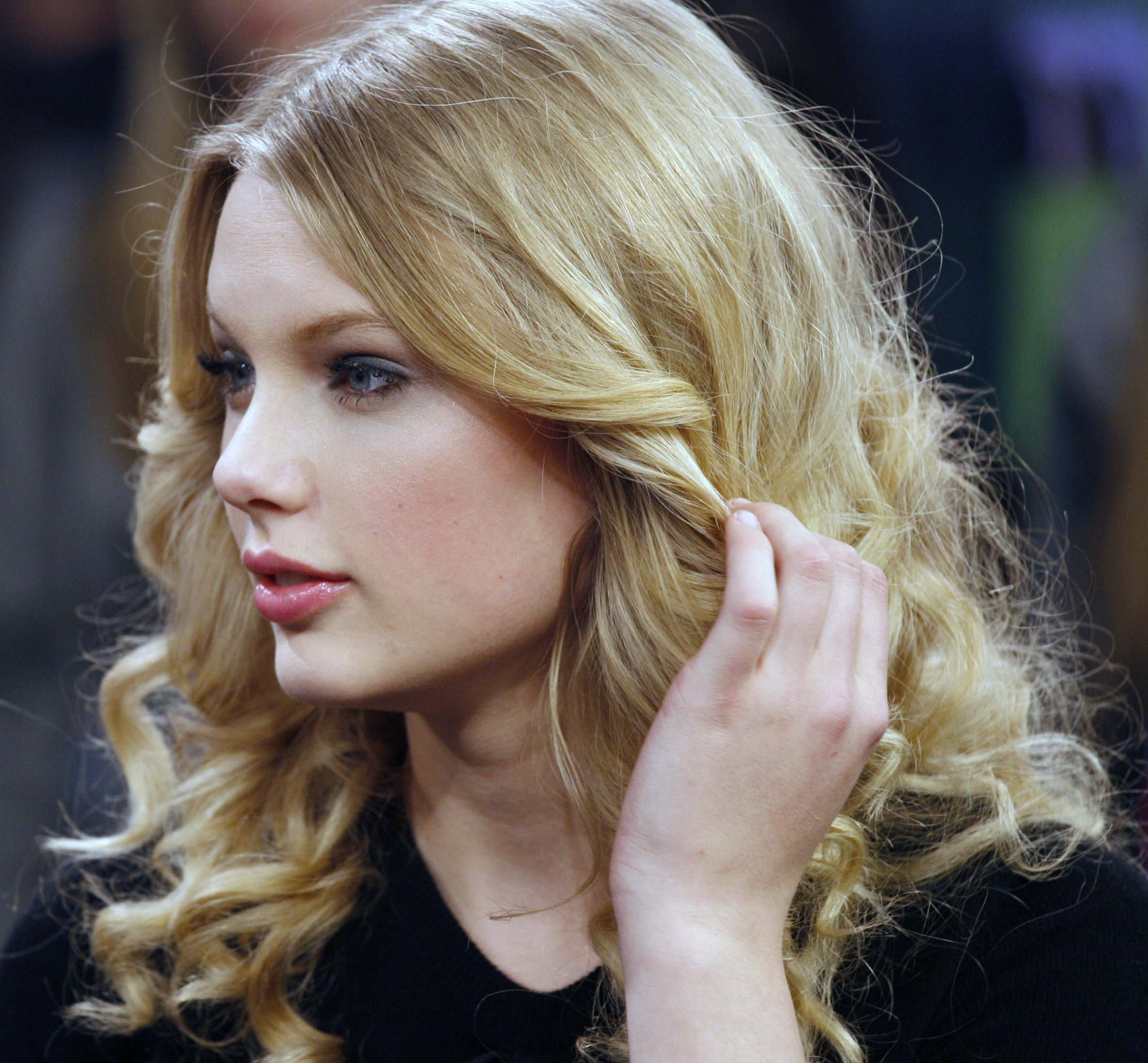 inappropriate celebrity wallpapers taylor swift - photo #17
