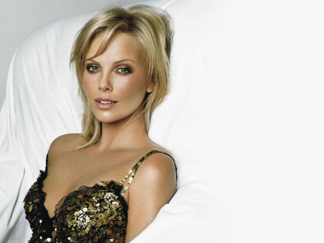 Charlize Theron 6 壁紙画像