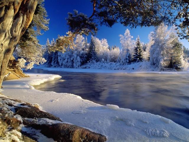 Frozen Lake 壁紙画像