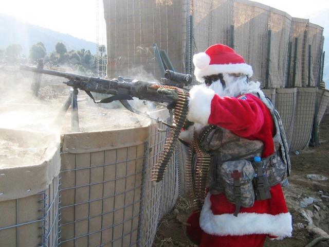 Santa Soldier 壁紙画像