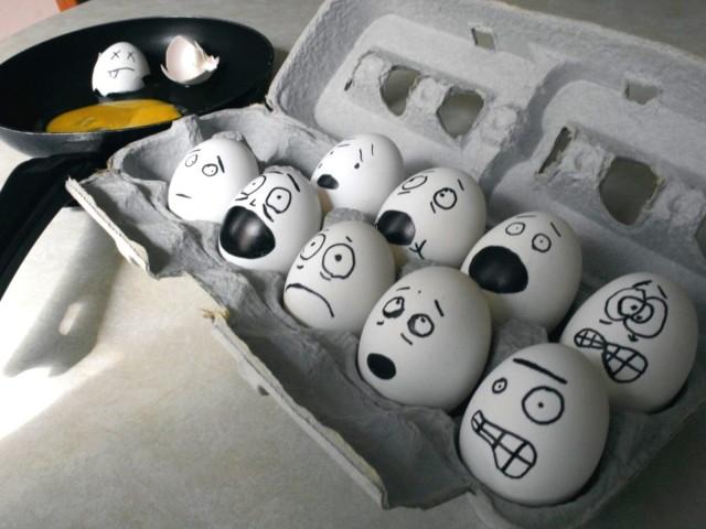 Scared Eggs 壁紙画像