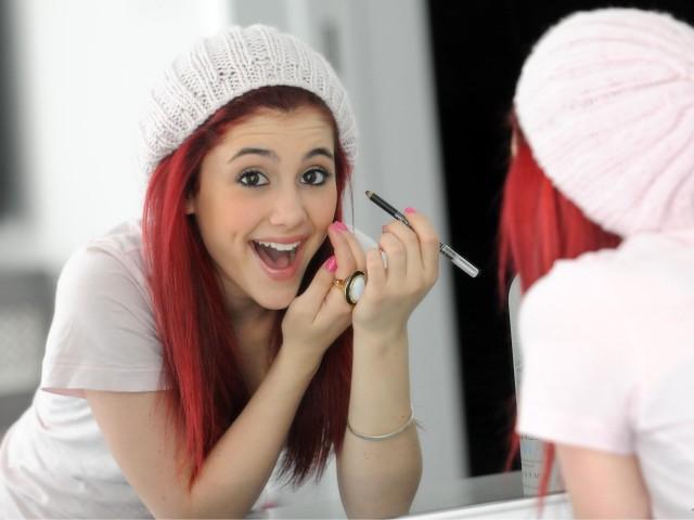 Ariana Grande 壁紙画像