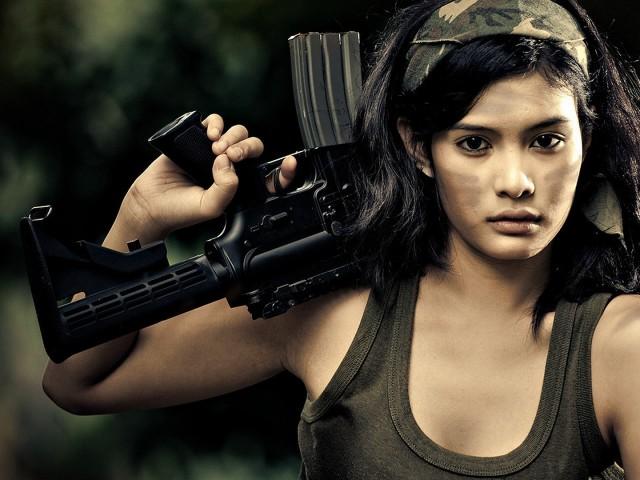 Assault Rifle 壁紙画像