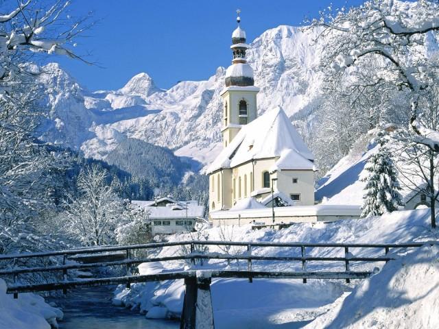 Church In Winter 壁紙画像