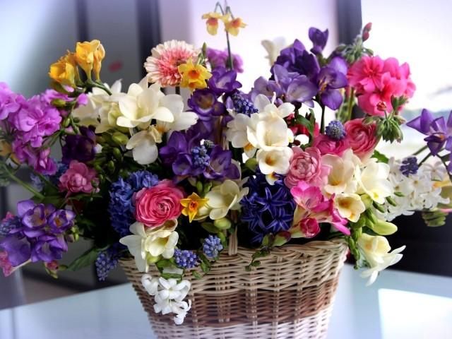Floral Basket 壁紙画像