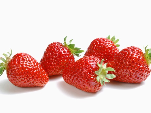 Strawberries 壁紙画像