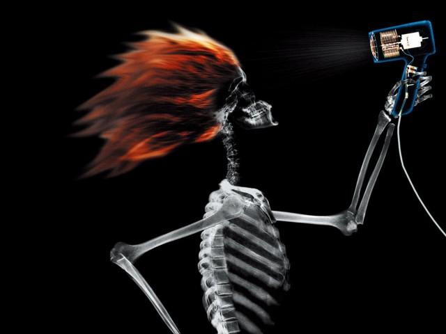 X Ray Skeleton Hair Drying 壁紙画像