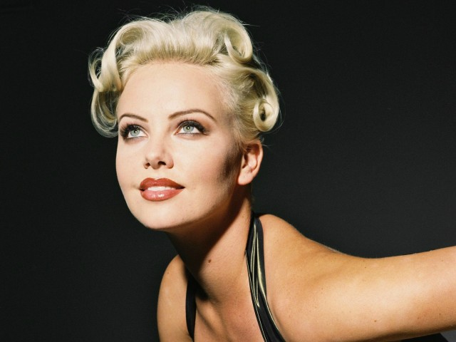 Charlize Theron 壁紙画像