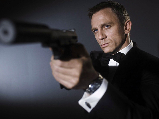 Daniel Craig As James Bond 壁紙画像